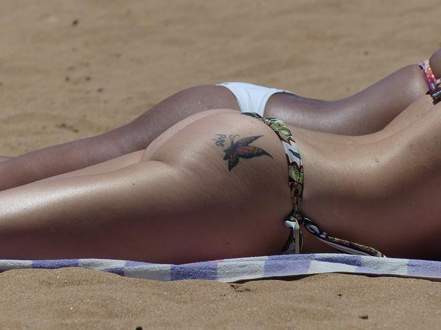 tetování na zadku.jpg